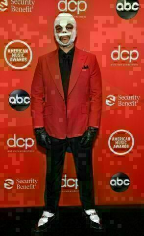 The Weeknd at the 2020 American Music Awards.