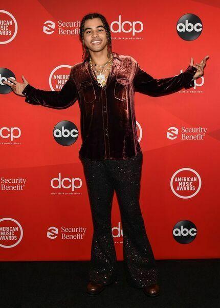 24kGoldn at the 2020 American Music Awards.